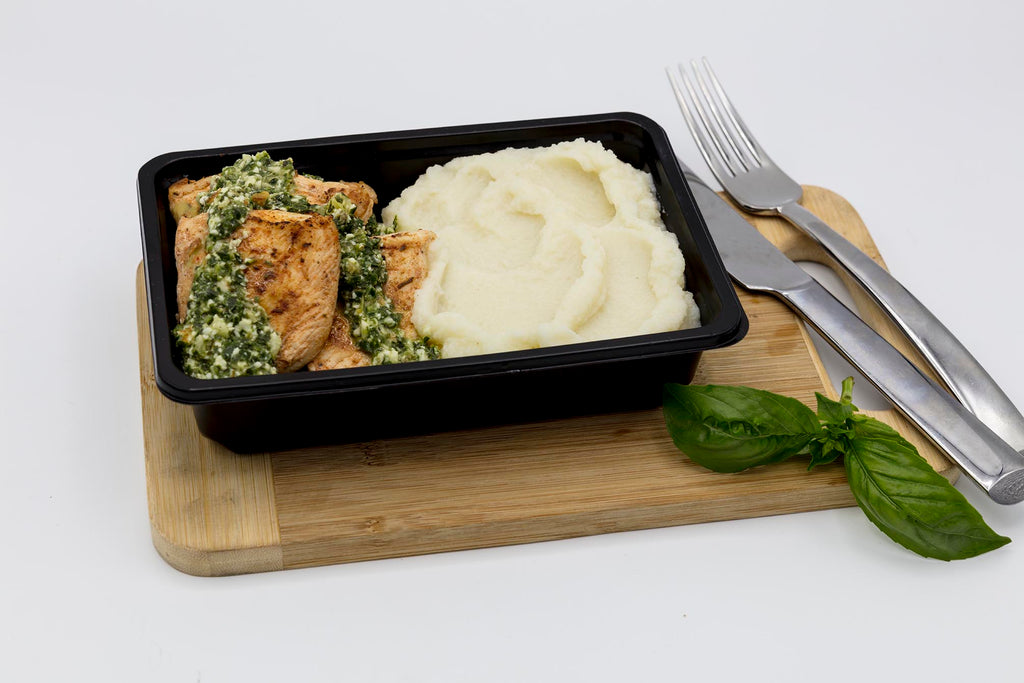 Plated Chicken Breast, Pesto and Caulimash (320g)
