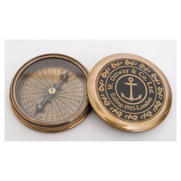 Batela Giftware-Desktop-Compass with Leather Case