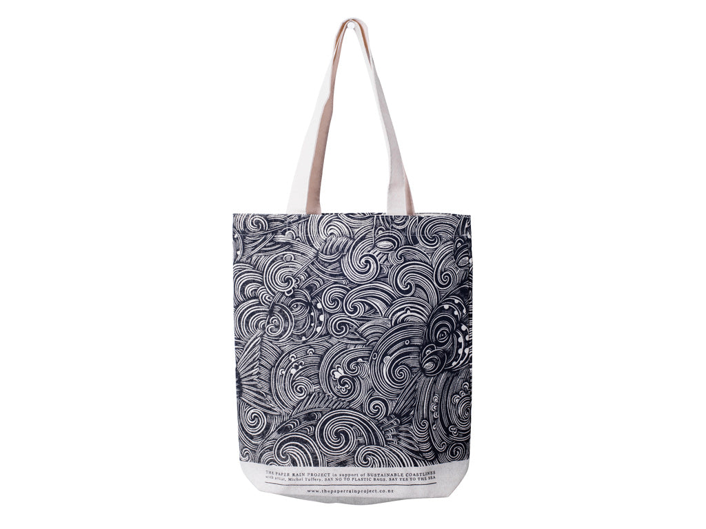 Snapper Waves hemp tote bag, designed by Michel Tuffery, in support of Sustainable Coastlines