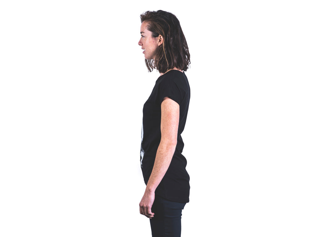 Women's tailor t-shirt side view.