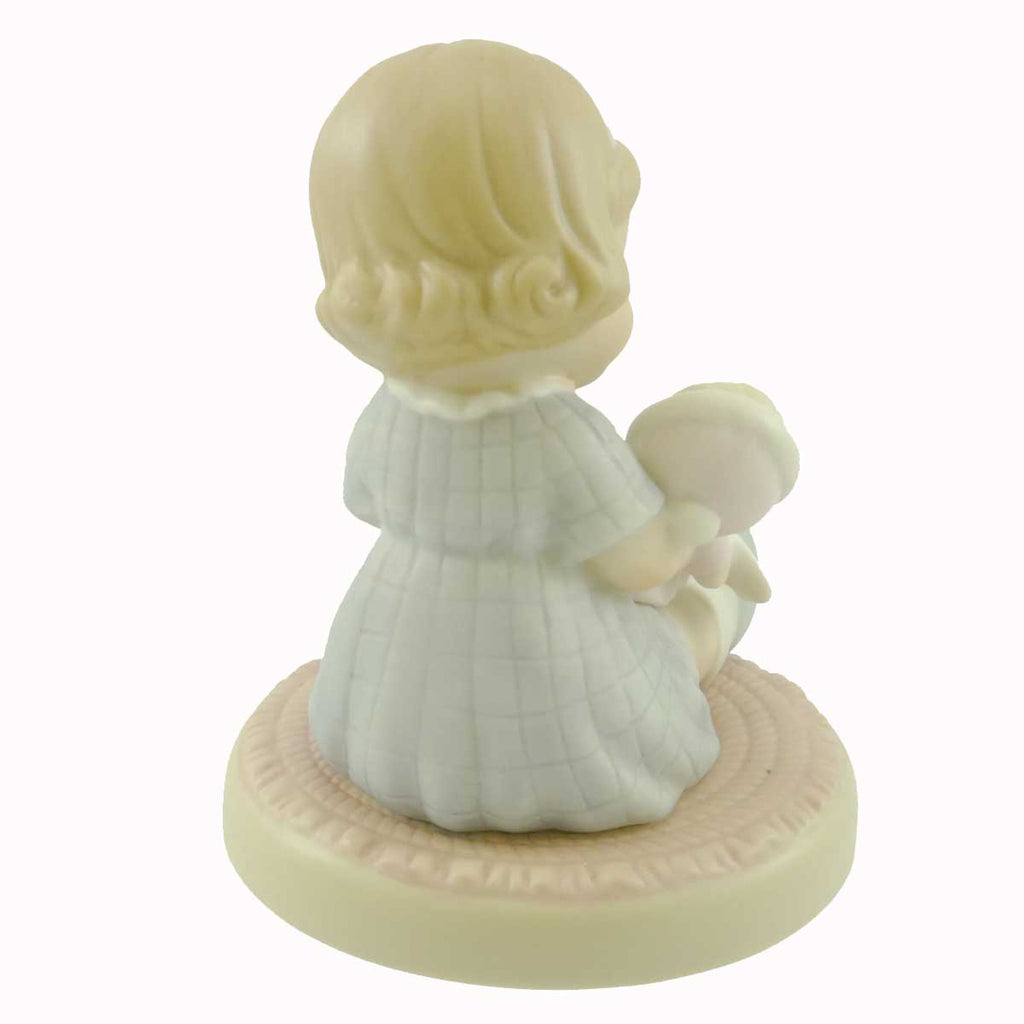 Figurines Wrapped In Love And Happiness Figurine