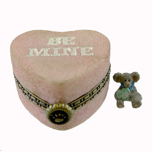 Boyds Bears Resin Candy's Heartbox With Kisses Mcnibble Treasure Box