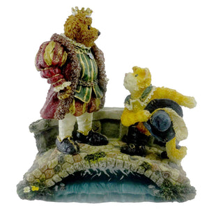 Boyds Bears Resin Puss N. Boots With His Majesty Figurine