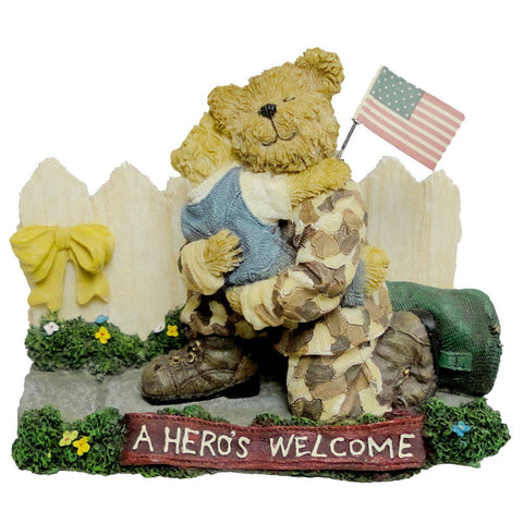 """Resin Teddy Bear with American Flag HEART Uncle Sam hat 4th JULY 3.5/"""" tall"""