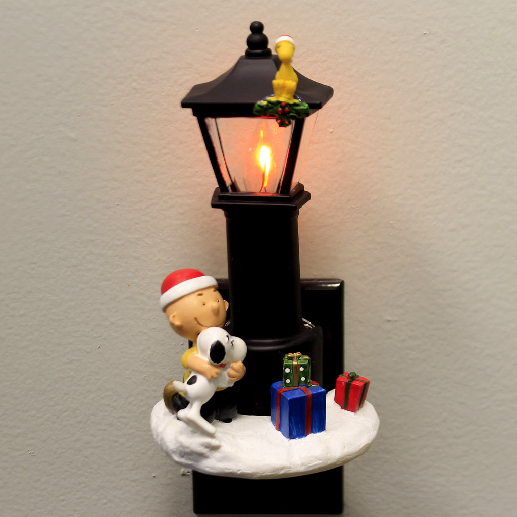 Christmas CHARLE SNOOPY FLICKER NIGHT-LIGHT Polyresin Peanuts 132562
