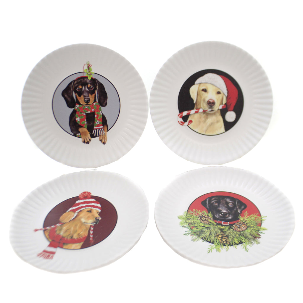 Tabletop CHRISTMAS DOG PLATES Plastic Holiday Hats Scarf Me0414