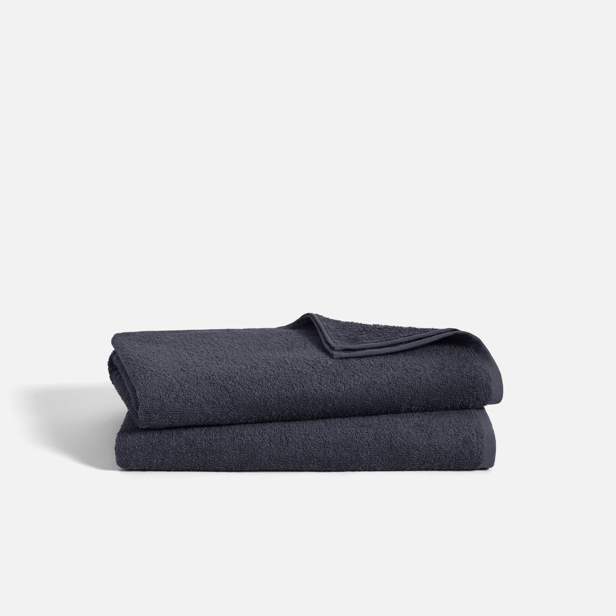 Stack of Ultralight Bath Towels in Graphite