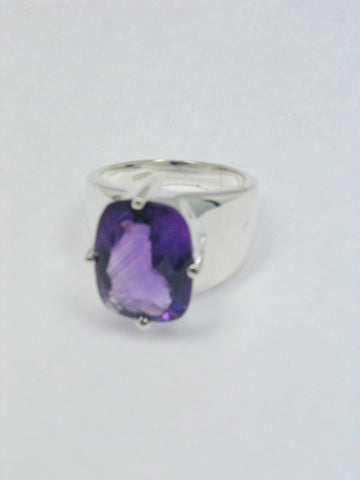 Oval Amethyst Sterling Silver Ring Side View