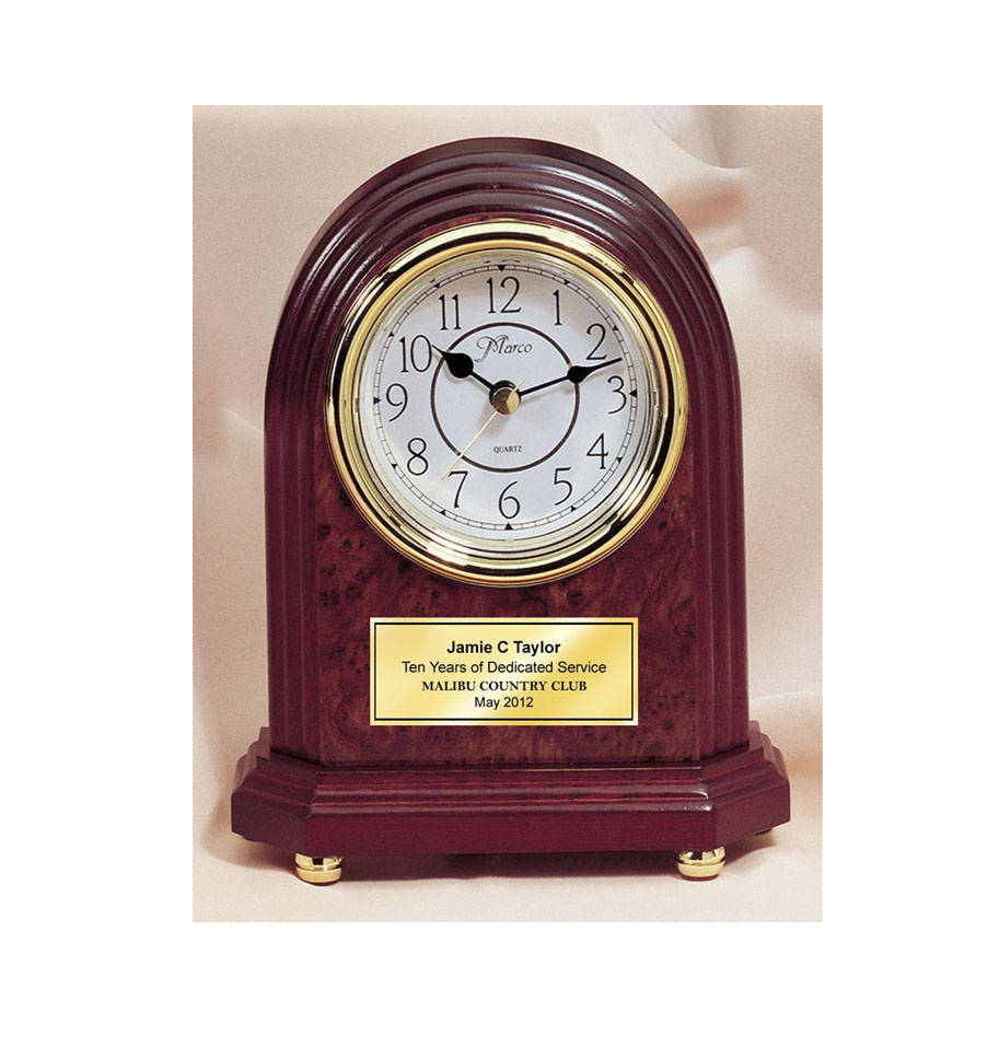 Finest Classic Arch Desk Engraved Clock with Gold Foot Base and Gold Engravin YE44