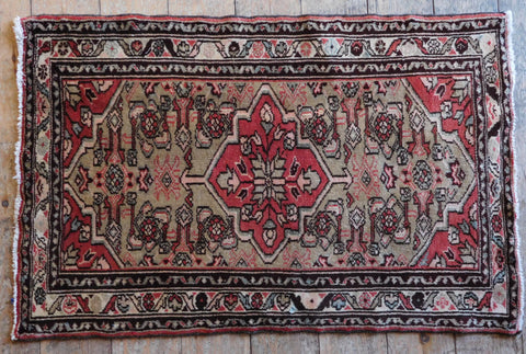 Enjelas Rug 102x65 Z5381 - Persian Tribal Rugs