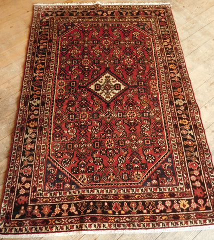 Hossein Abad Rug 195x138 Z5408 - Persian Tribal Rugs