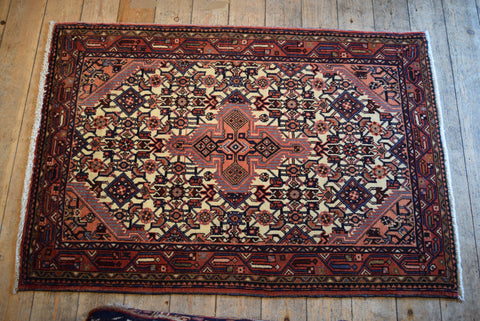 Asadabad Rug 140x100 X5638 - Persian Tribal Rugs