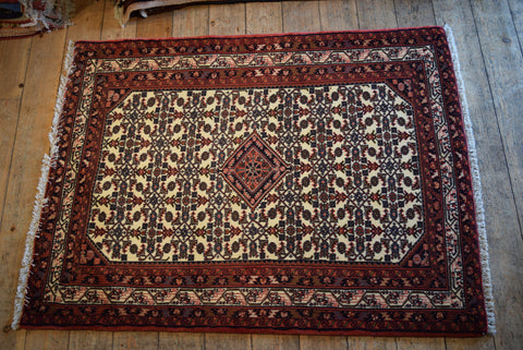 Enjelas Rug 141x118 X1070 - Persian Tribal Rugs