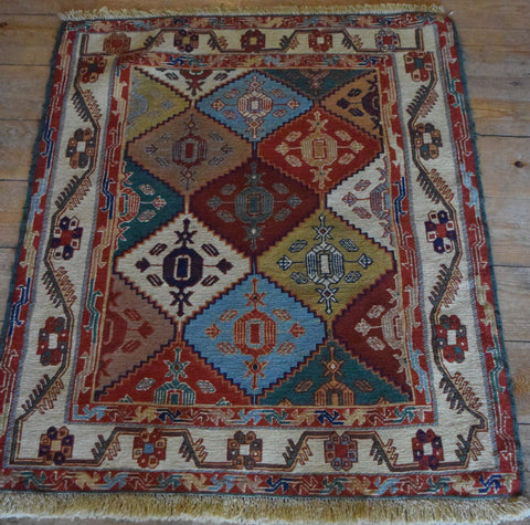 Persian Kilim 90x80 Z4728 - Persian Tribal Rugs