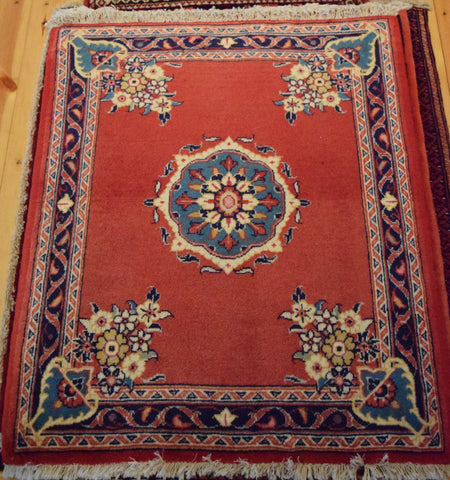 Sarouk Rug 80x70 X6274 - Persian Tribal Rugs