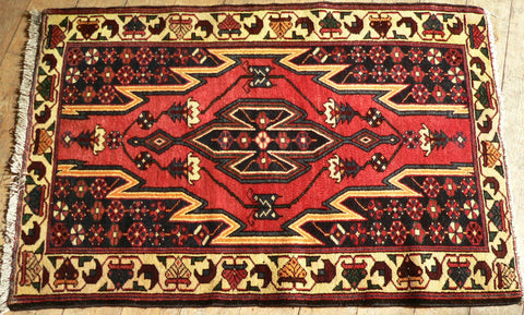 Hamedan Rug 130x85 Z5196 - Persian Tribal Rugs