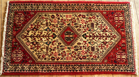 Abadeh Rug 110x68 Z5189 - Persian Tribal Rugs