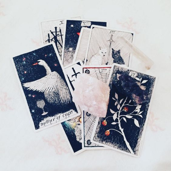 CONNECTING WITH YOUR SPIRIT GUIDE- TAROT CARD READING
