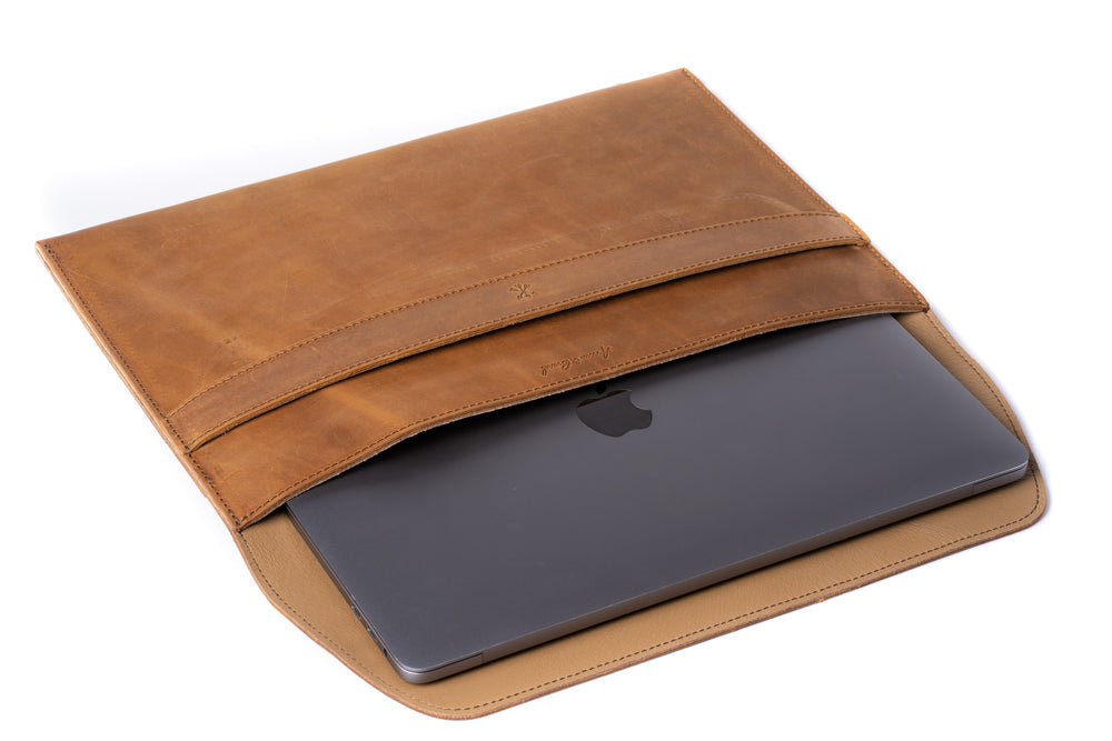 Load image into Gallery viewer, Leather MacBook Envelope Case - Tobacco