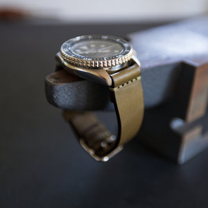 Load image into Gallery viewer, Leather Simple Watch Strap - Olive