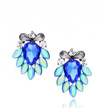 Earrings made of glass crystals and anti-allergic metal  Crystals colour: Transparent, Graphite, Cornflower, Shades of Blue Metal colour: Silver