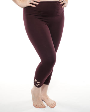 Skylar Curvy Cut-Out  Legging