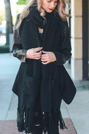 Oversized Two Pocket Tassel Scarf