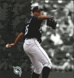 2005 Leaf Century #166 Dontrelle Willis - Marlins