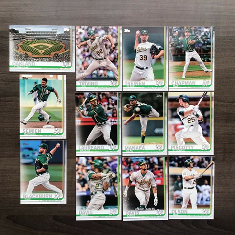 2019 Topps Series 1 Team Set Oakland Athletics (12 Cards)