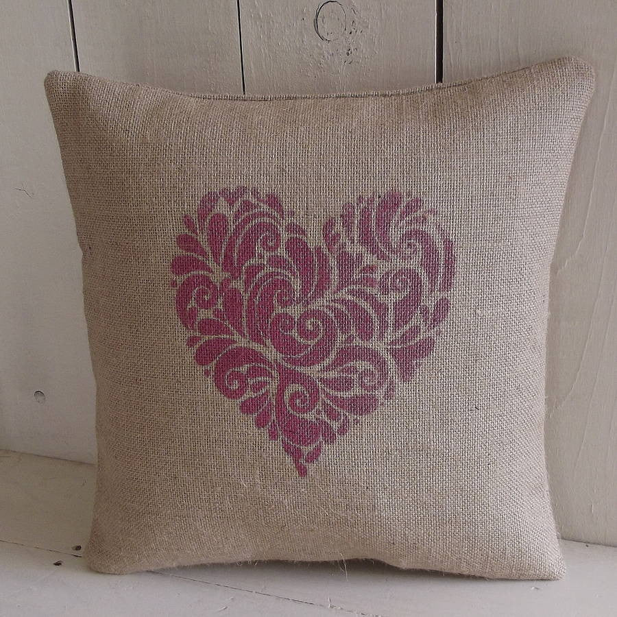 ' Rustic Heart ' Cushion (Cranberry)