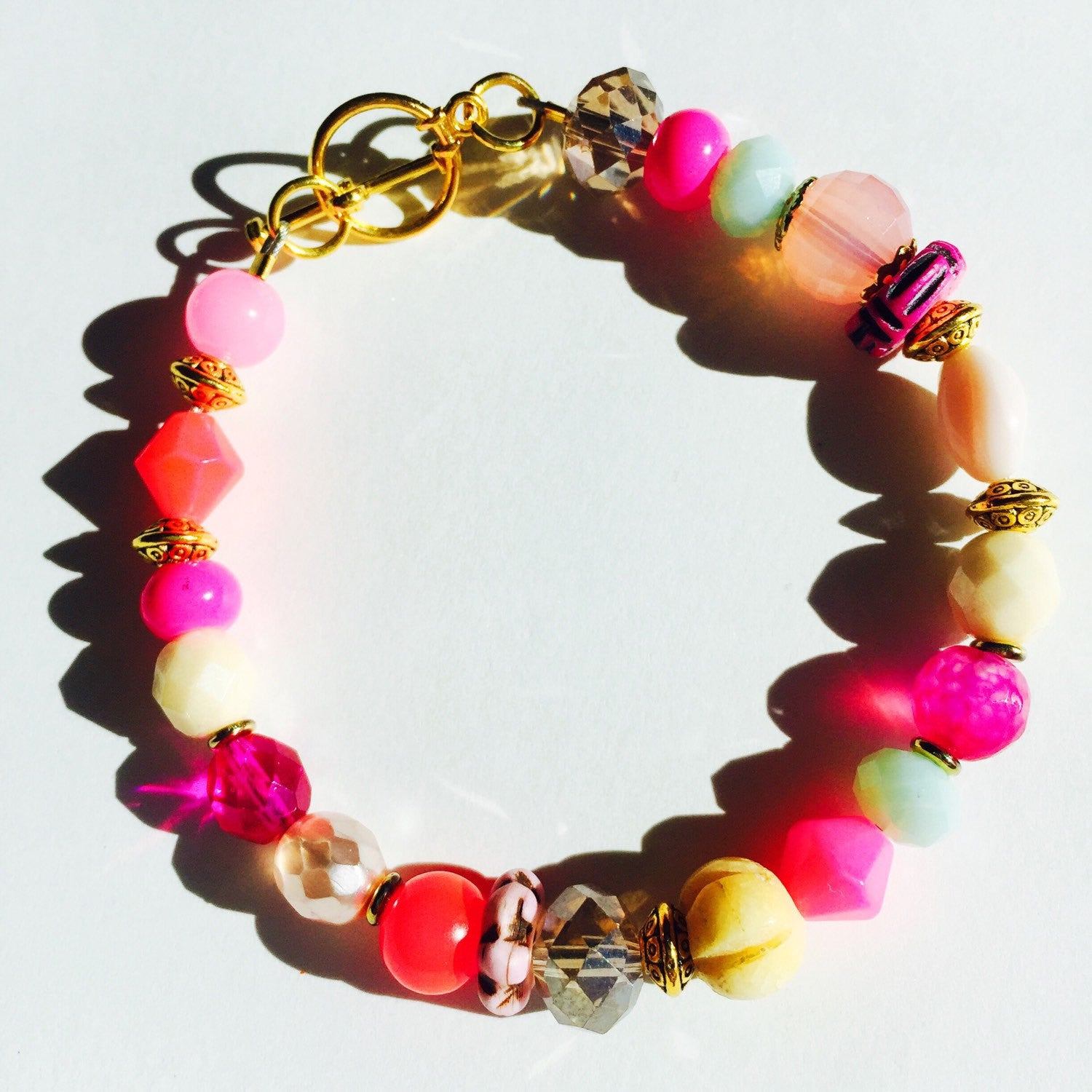 Colorful beaded bracelet. Hot pink and mint beaded bracelet. Czech glass bead bracelet. Pink and gold.