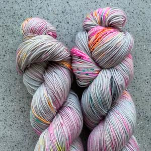 Summer Sorrel Kit - Smooth Sock - Dyed to Order