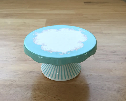 French Bistro Cup Cake Stands