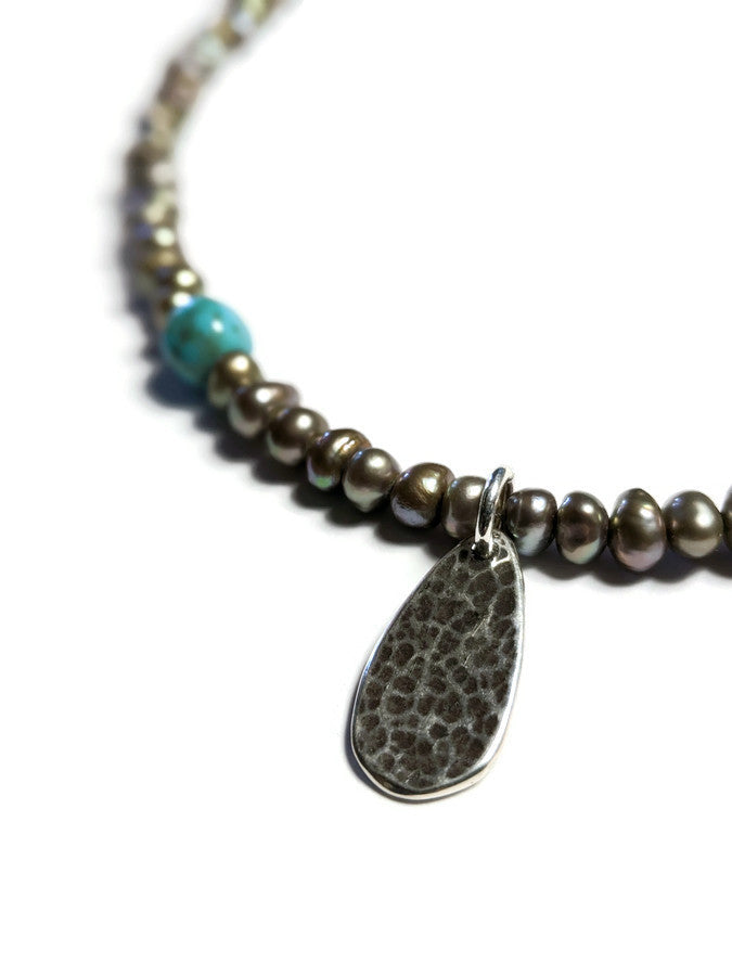 Short Pearl Necklace with Kingman Turquoise