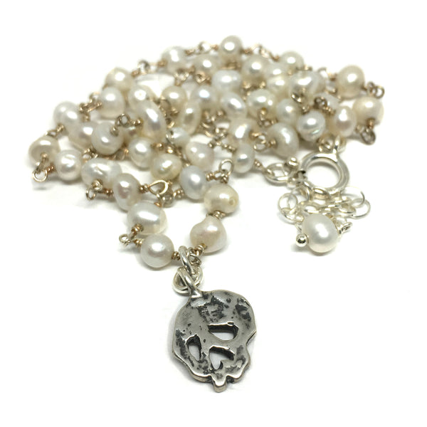 Skull on Pearl Chain Necklace
