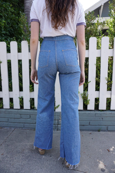 70s High Waisted Bell Bottom Jeans w/ Zip Pockets, Sz. 27 x 30