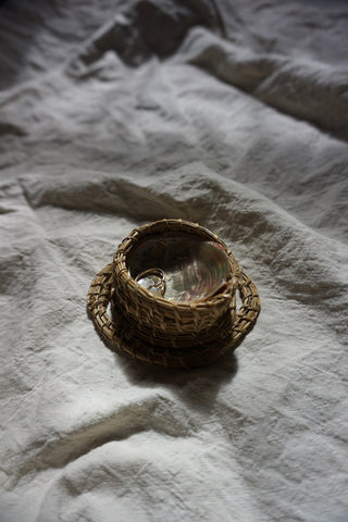 Nocha Shell Ring Dish
