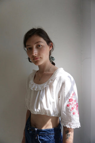 SALE 70s Embroidered Folk Crop Top, Sz. M -L