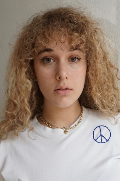 Peace Embroidered Vintage Tshirt Cropped, Sz. M