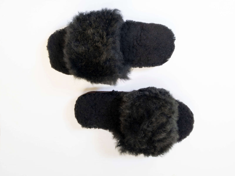 Alpaca Slipper Cross  Black