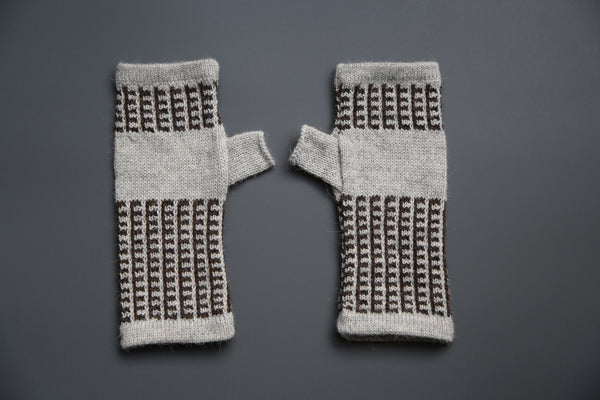 Alpaca Gloves Nazca Grey and Black