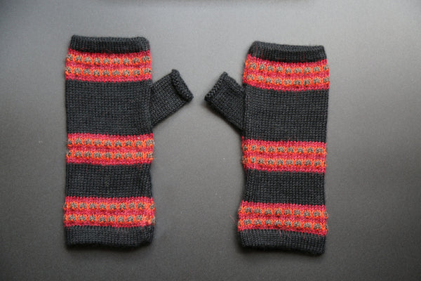 Alpaca Gloves Red and Black