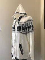 Chincheros Sweater Creme and Black  w/ Zipper - Medium Size