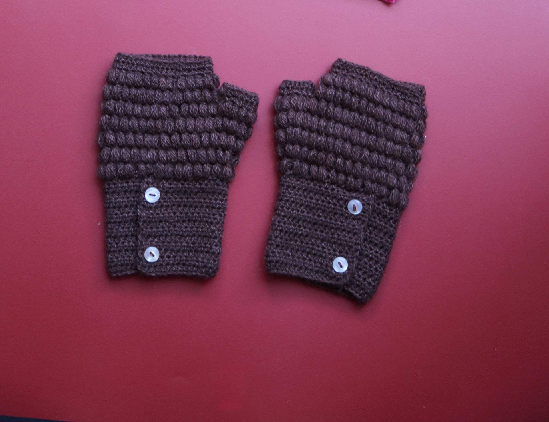 Alpaca Gloves Buttons Chocolate