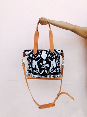 The Sacred Heart MINI Weekender - white/black