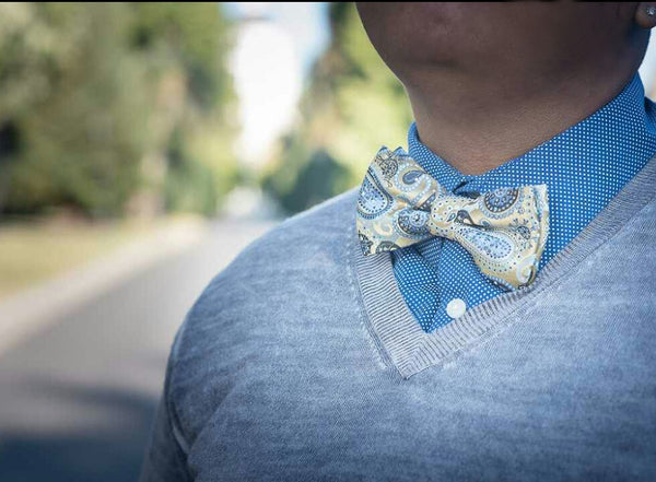 blue and gold galaxy pre-tied bow tie