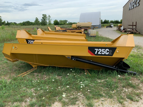 CATERPILLAR 725C2 BED WITH CYLINDERS
