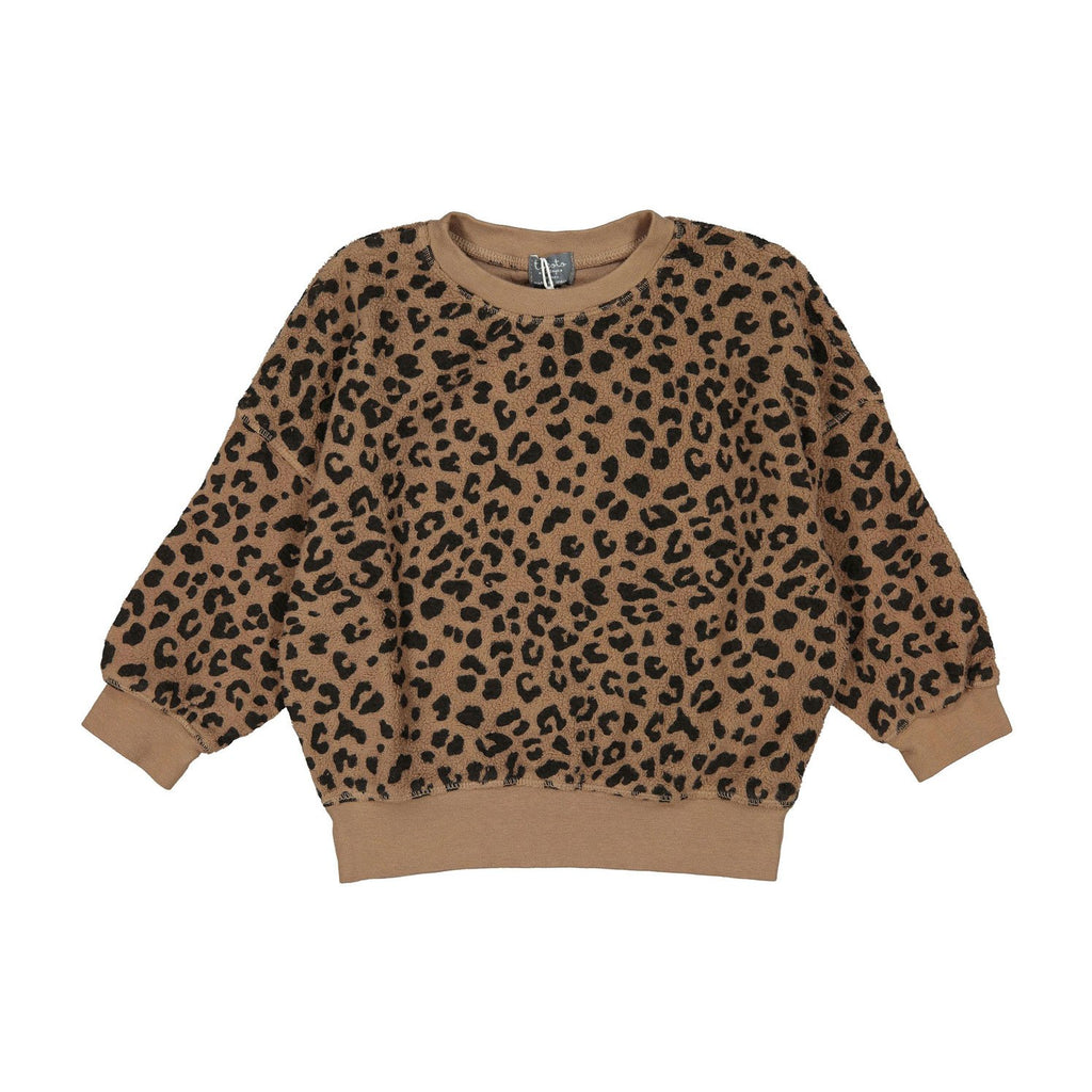Organic cotton Sweatshirt for girls in an allover leopard print. Featured in a loose fitting style and completed with elasticated ribbed cuffs, hem, and neck.   Dress up with Tocoto Vintage pink tulle skirt or a pair of jeans or leggings for a complete look.   Made of 100% Organic Cotton  Made in Portugal.