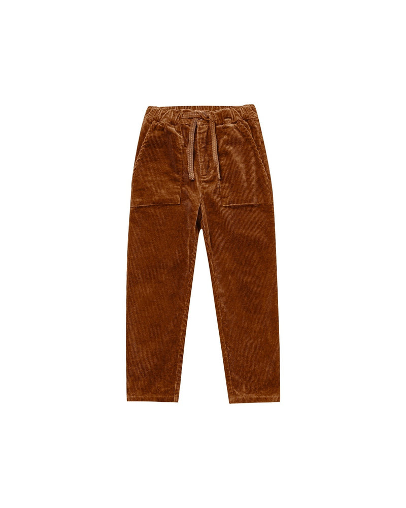 """Oliver pant in the softest corduroy fabric. Featuring an elastic waist with adjustable drawstring and utility pockets for all his adventures.  Color: cinnamon  Care: Machine wash cold. Tumble Dry low. Minor shrinkage may occur if tumble dried.  Made of 98% cotton, 2% elastane"""
