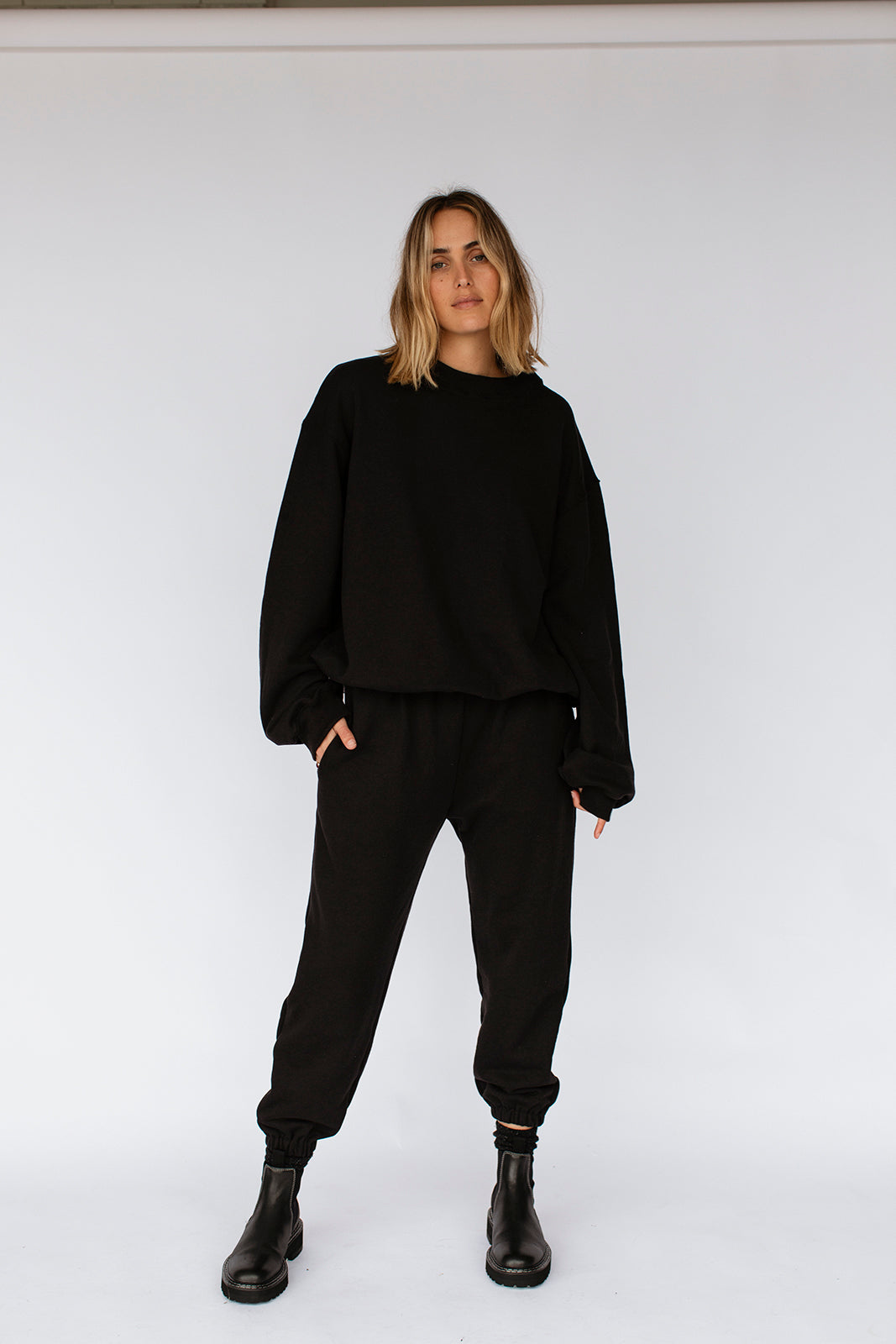 KHALO TRACKPANTS - BLACK